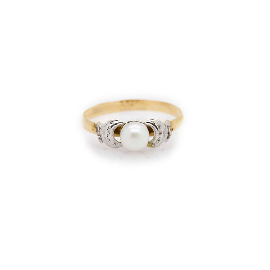 Platinum Pearl Ring view 1