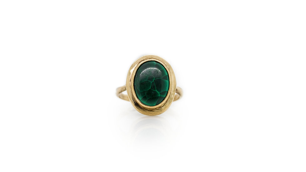 Oval Jade Ring 9ct Gold view 1