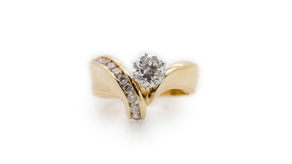 Gold Diamond Ring With Curved Shank
