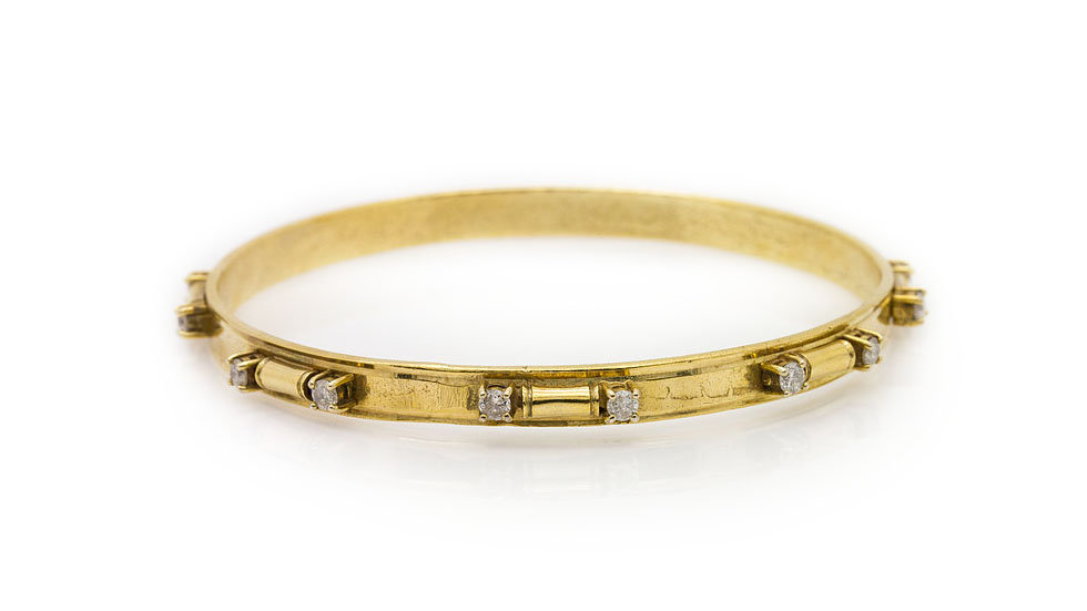 Gold Bracelet with 0.80ct of round cut diamonds.