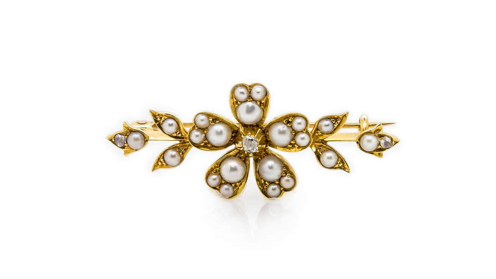 Pearl Flower Brooch in Yellow Gold