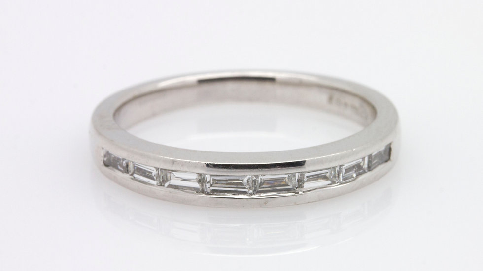 Baugette cut diamond wedding band set in 18ct white gold with an estimated 0.39ct of diamonds.