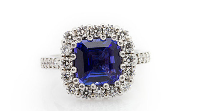 2.19ct Tanzanite Ring