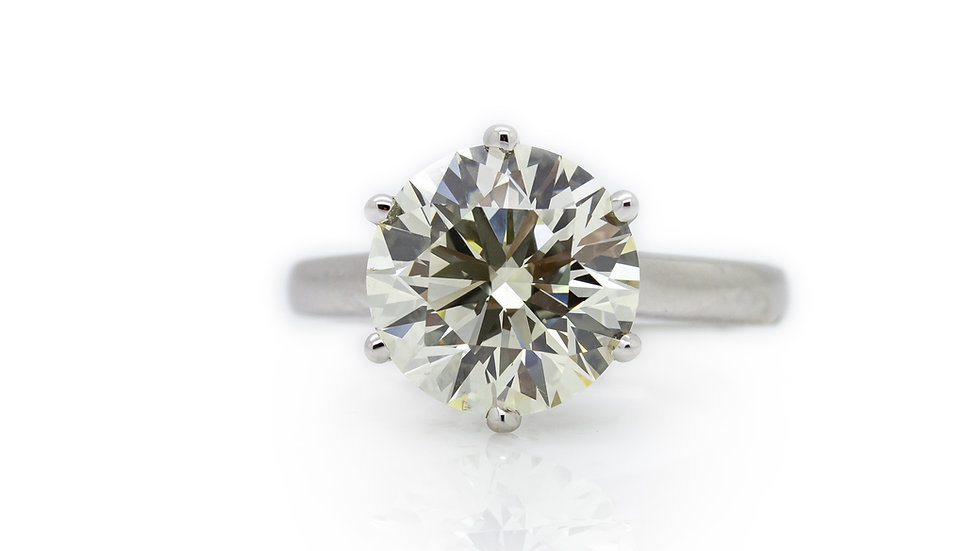 Diamond Solitaire 4.87 Carat brilliant round cut, Grosvenor Jewellers, uk