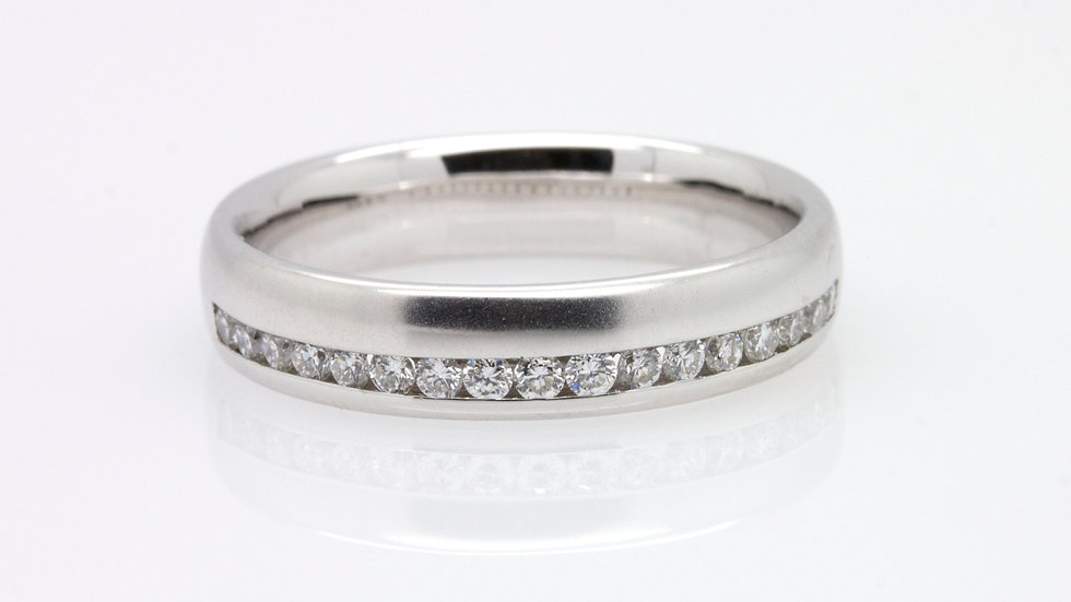 18ct White Gold Diamond Wedding Band