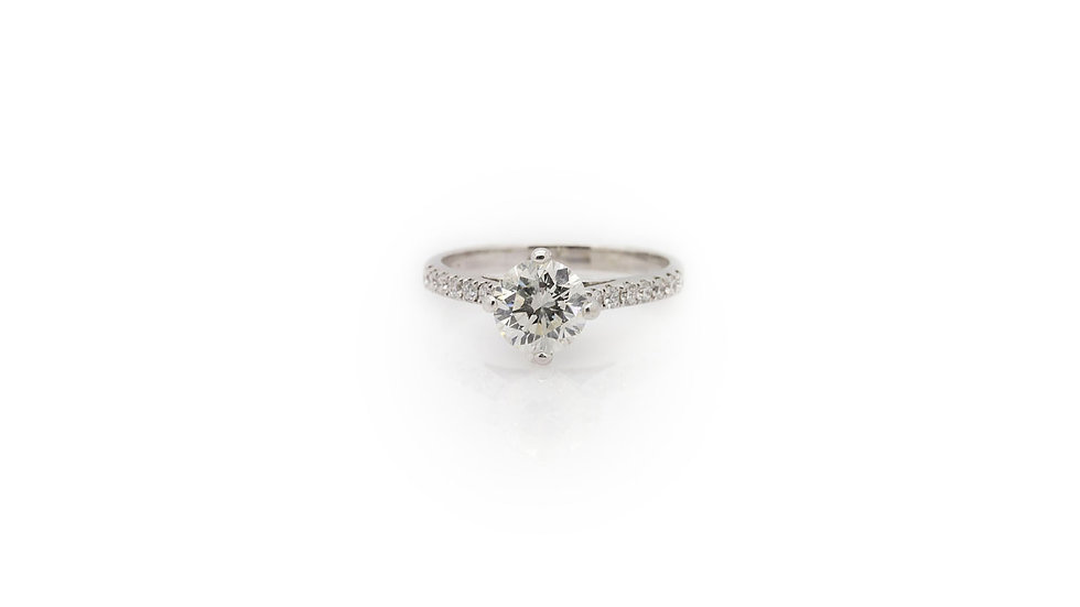 Solitaire Round cut diamond ring with round cut diamonds on the shank