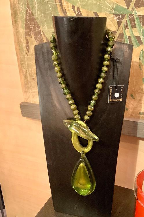Collier cravate Dominique Denaive nuance de vert en résine artisanale