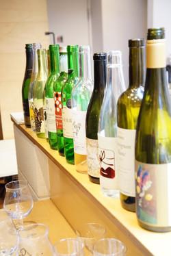 お持ち寄りいただいた数々の日本ワインたち