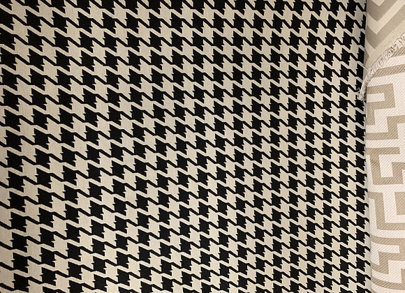 Black and White Houndstooth Design