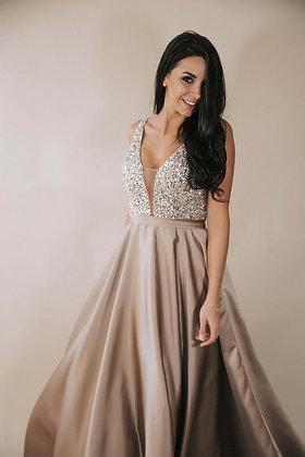 Платье с атласной юбкой и расшитым топом