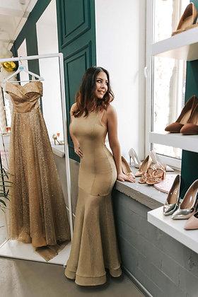 Платье из золотого плетения