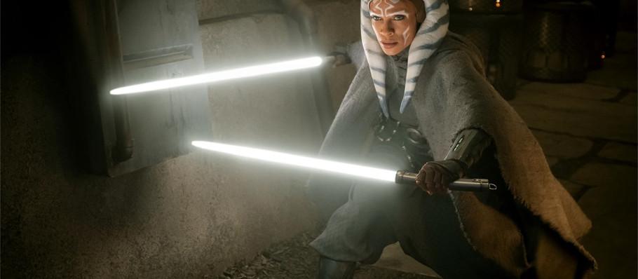 Disney+ Offers a Closer Look at Rosario Dawson as Ahsoka Tano in 'The Mandalorian'