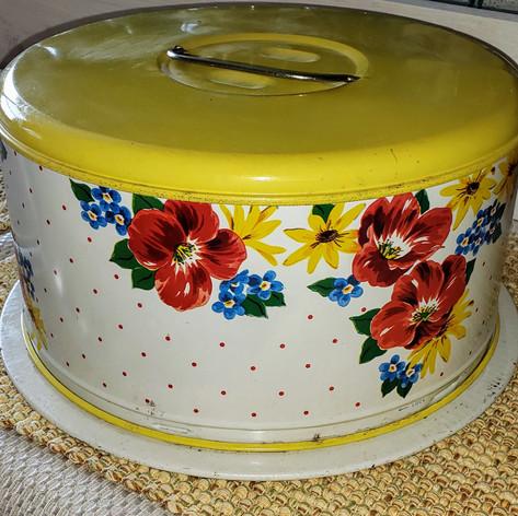 Vintage cake holder