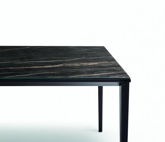 Bontempi Glossy Echo Dining Table_01.jpg
