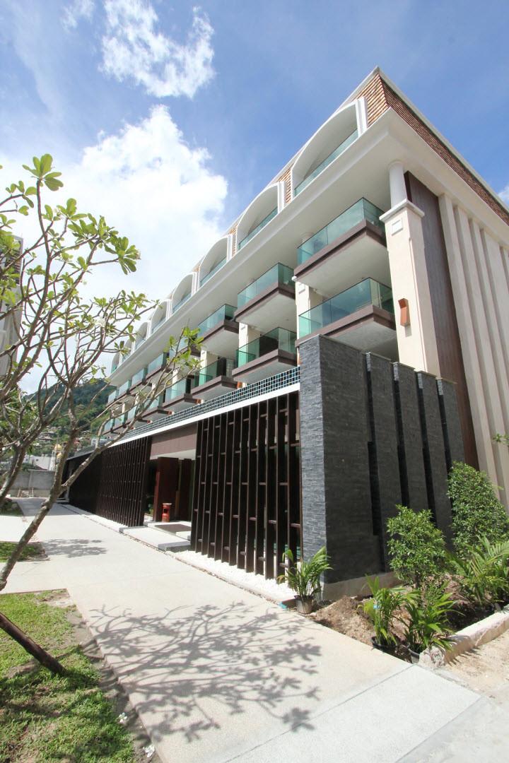 Phuket graceland (12).jpg