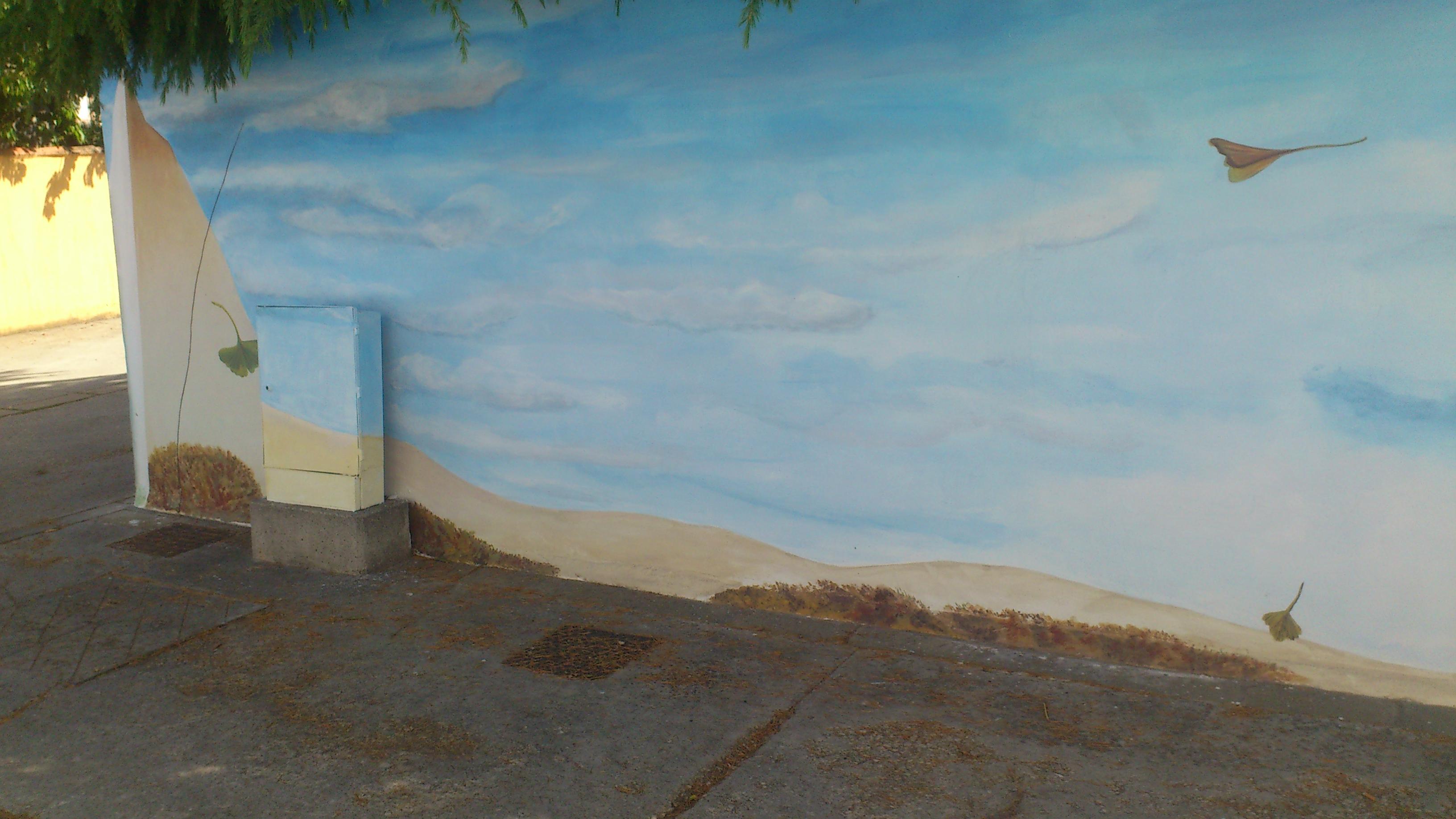 mural en valla de un jardin