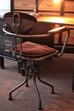 Décoration industrielle, chaises et tabourets