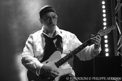 Photo de concert, guitare, éclairage, lumière, noir et blanc
