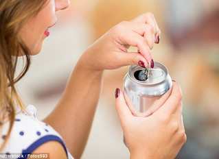 Women who consume more than one sugary drink a day while undergoing IVF cut their chances of conceiv
