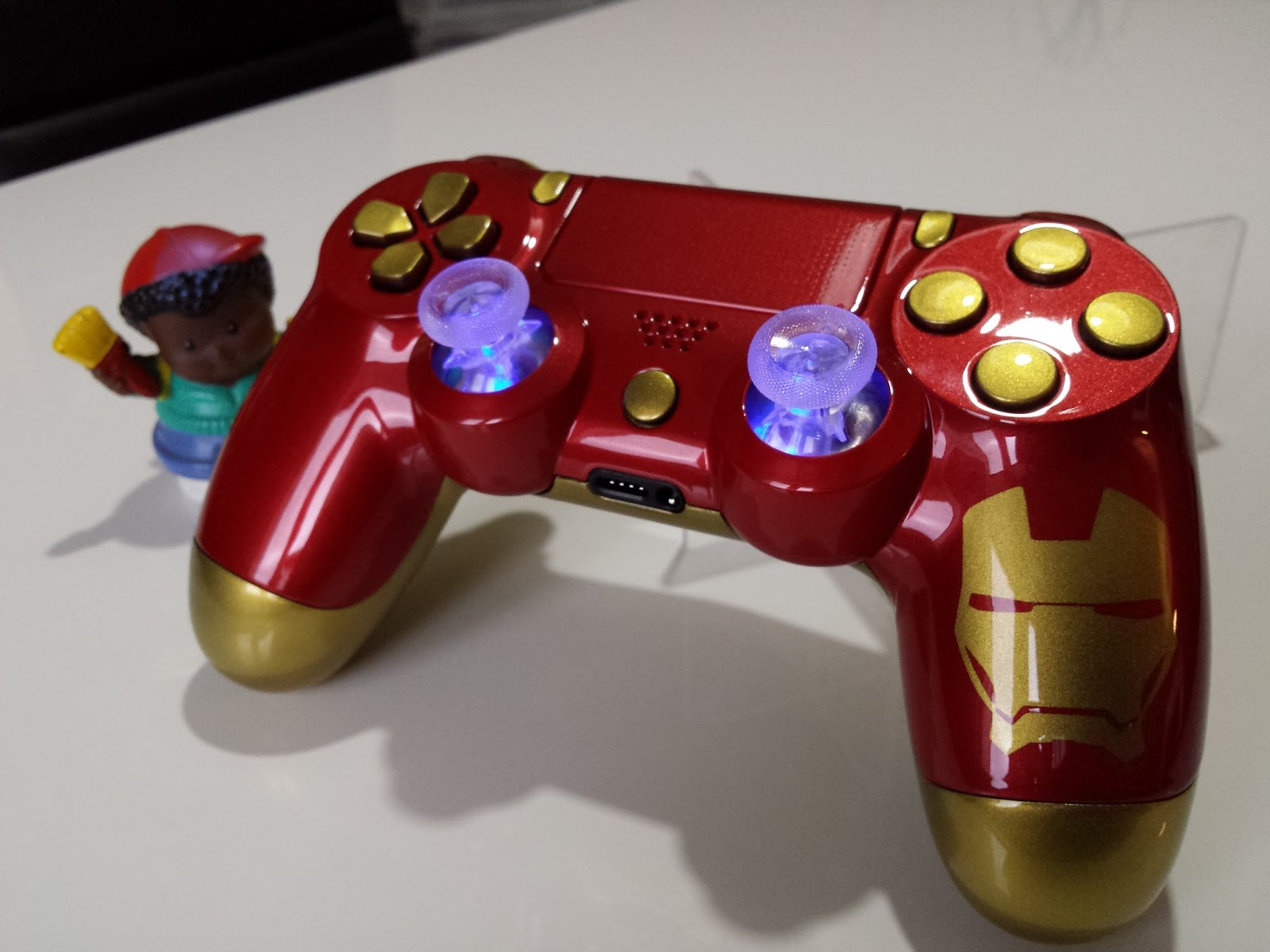 manette ps4 iron man