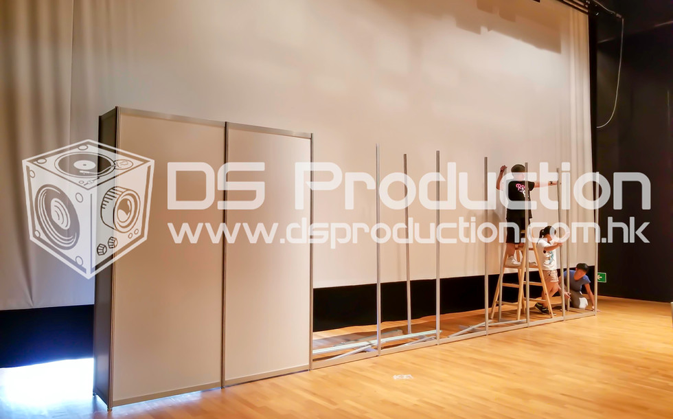 Exhibition R8 System Booth