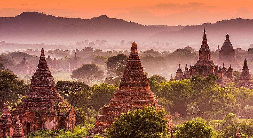 Buddhist-temples-Pagan-Myanmar1.jpg