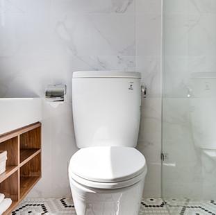 05 Bathroom - 010.jpg