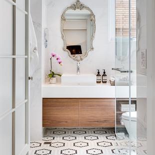 05 Bathroom - 001.jpg