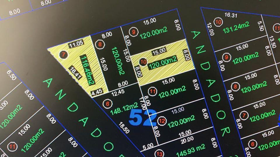 ¡¡¡Excelente oportunidad de construir tu patrimonio en zona residencial Vaso de Miraflores!!!  2 terrenos ubicados frente al Colegio de Bachilleres, a un costado del sitio de taxis.   1er terreno 116.46 m2 medidas 16.41 x 4.45 x 15 x 11.05 ubicado en esquina.   2do. Terreno 120 m2, 15 x 8.   Con acceso a servicios públicos (transporte público, sitio de taxis, a 5 minutos del centro de Zihuatanejo e Ixtapa y fácil acceso a gasolinera y centros comerciales) __________________  Excellent opportunity to build your heritage in residential area Vaso de Miraflores!!!  2 Land Lots located in front of the College of Bachelors, next to the taxi site.  1st Land Lot 116.46 m2 measures 16.41 x 4.45 x 15 x 11.05 located in the corner.  2nd. Land Lot 120 m2, 15 x 8.  With access to public services (public transport, taxi site, 5 minutes from downtown Zihuatanejo and Ixtapa and easy access to gas station and shopping centers)