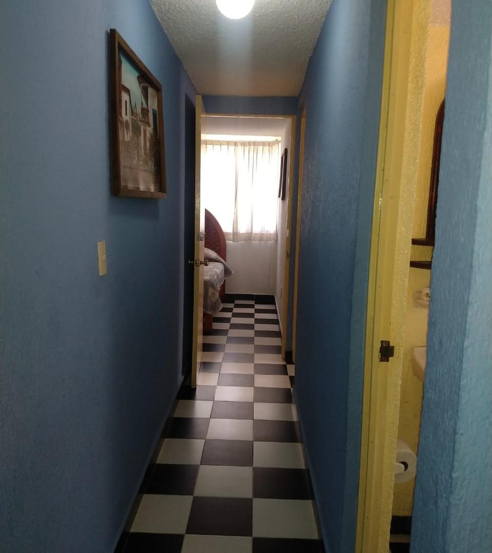 HERMOSO DEPARTAMENTO EN EL CENTRO DE ZIHUATANEJO, GRO. COMPLETAMENTE EQUIPADO  Cuenta con 3 recámaras, cada una de ellas con aire acondicionado, TV en cada una de ellas, Sala, Cocina con todos sus utensilios, Refrigerador, Horno de Microondas, Plancha y Hamacas, Estacionamiento.  A solo 5 Minutos de Playa La Madera y 5 minutos del Centro de Zihuatanejo, Guerrero, Mex.  Capacidad de 10 a 15 personas Máximo. ____________________  BEAUTIFUL DEPARTMENT IN THE CENTER OF ZIHUATANEJO, GRO. FULLY EQUIPPED  It has 3 bedrooms, each with air conditioning, TV in each of them, Living room, Kitchen with all its utensils, Refrigerator, Microwave, Iron and Hammocks, Parking.  Only 5 minutes from Playa La Madera and 5 minutes from the Center of Zihuatanejo, Guerrero, Mex.  Capacity of 10 to 15 people Maximum.