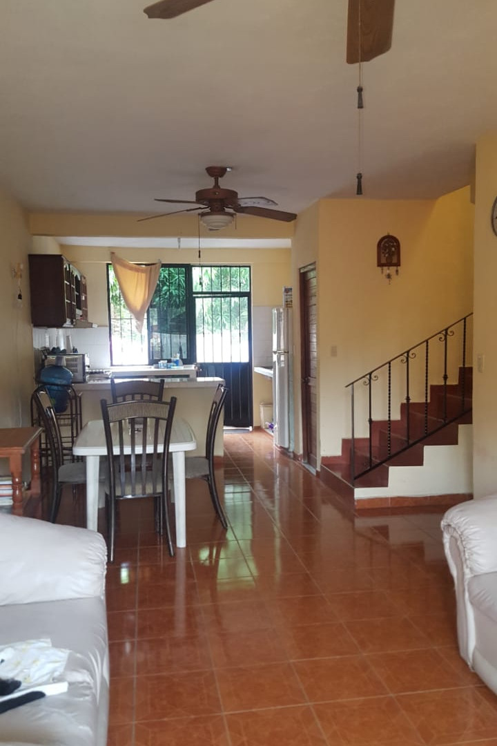 Bonita, Amplia y Fresca Casa En Renta en Colonia El Hujal  - Tres Recámaras (Dos Con Aire Acondicionado) - Sala - Comedor - Cocina con Barra - Estudio - Garage para un auto techado - Terraza exterior en el primer piso techada - Patio de Servicio - Semi Amueblada - RENTA MENSUAL _____________________  Nice, Large and Fresh House For Rent in Colonia El Hujal, Zihuatanejo, Guerrero, México  - Three Bedrooms (Two With Air Conditioning) - Dining room - Kitchen with Bar - Study - Garage for a roofed car - Exterior terrace on the first covered floor - Three Full Bathrooms - Service yard - Semi Furnished - MONTHLY RENT