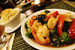Broccoli with king prawn & garlic