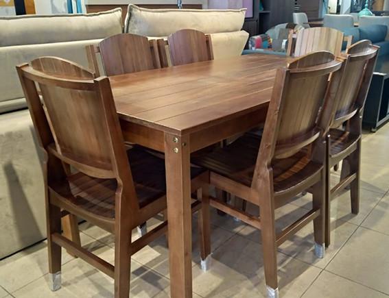 mesa-6-cadeiras-100%-madeira.jpg