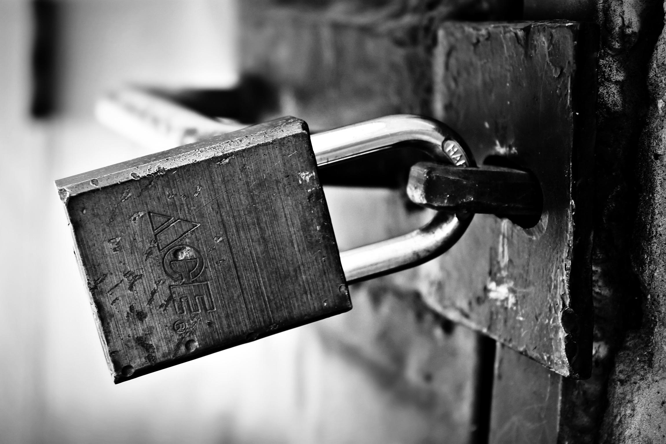 locked-1322793
