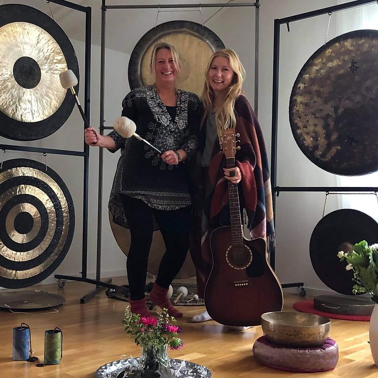 Full moon Gong & Yin med livemusik