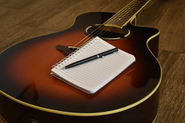 songwriting-2757636_640