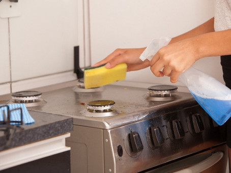 キッチンカウンター(ステンレス)に得体のしれない汚れが!