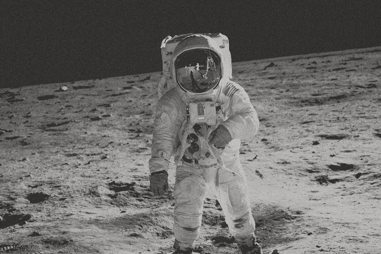 astronaut-walking-moon-black-white-tone_