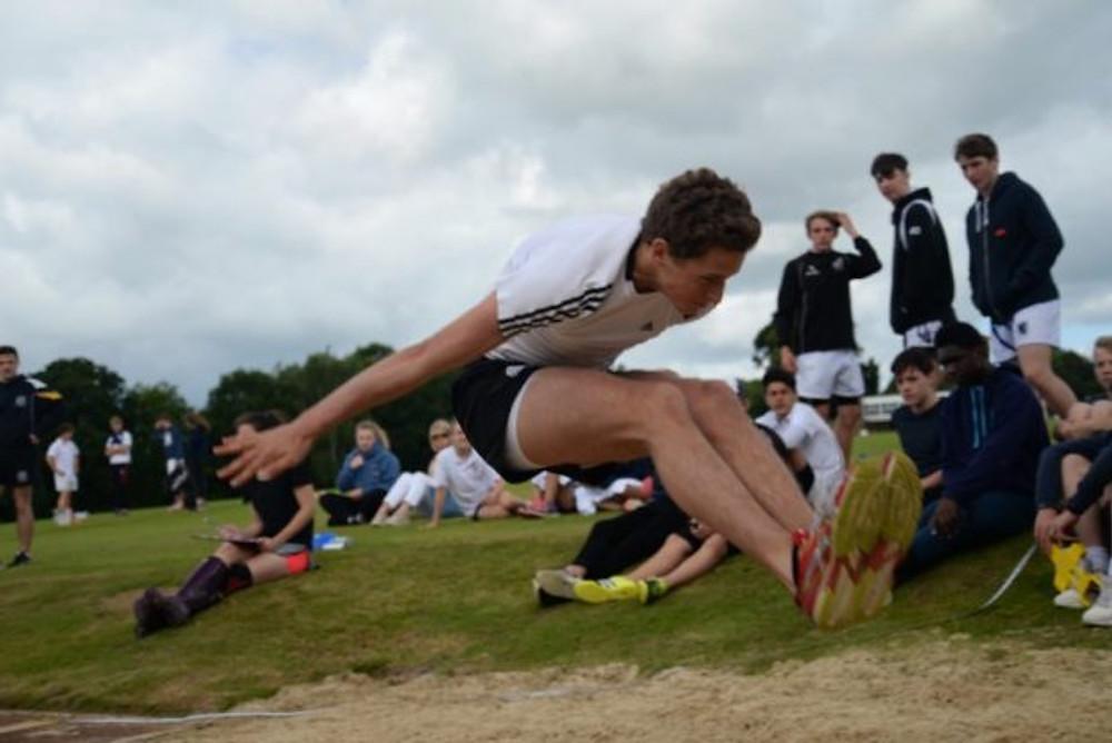 2016_sportsday_jump2