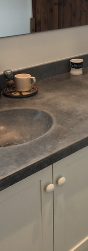 Double vanity in gray