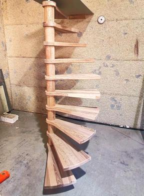 Лестница на заказ из дерева