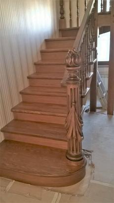 Лестница под заказ из дуба