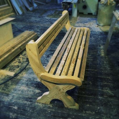 Скамейка из лиственницы