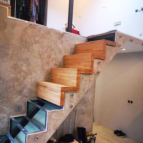 Элемент лестницы из ясеня