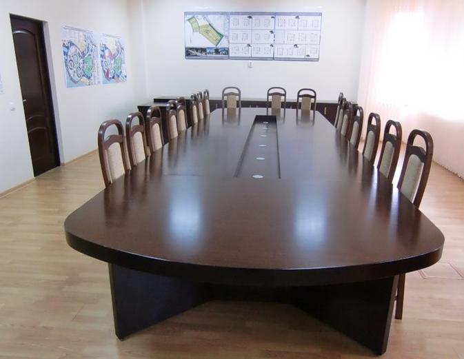 Стол для заседаний