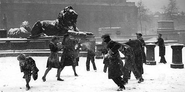 Christmas 1947. Trafalgar Square, London