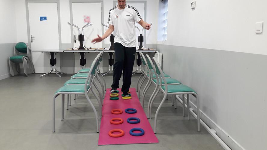 Parcours équilibre et proprioception