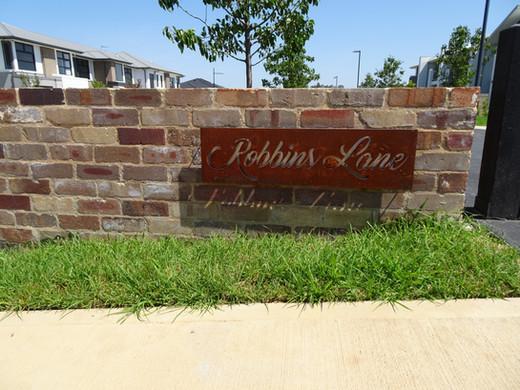Robbins Lane Sign