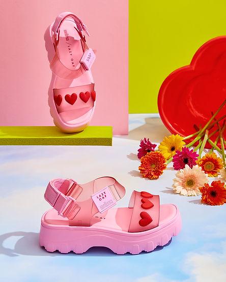 Flower_sandals_18795.jpg