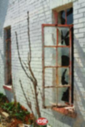 brokenwindow1407a 2.jpg